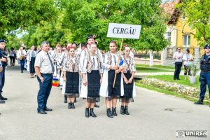 fii-satului-pianu23